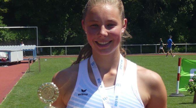 Luisa Fischer setzt sich Bayerische Mehrkampfkrone auf